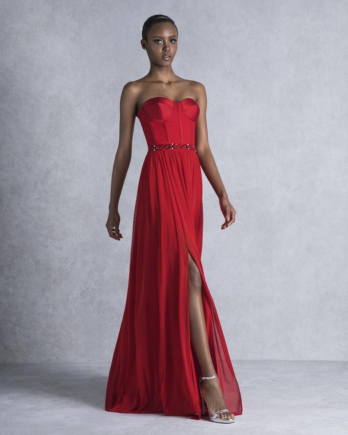 fa729ea0ec7 Βραδινό φόρεμα μακρύ στράπλες με κέντημα στη μέση
