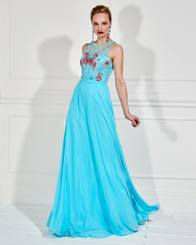 b18c309b46b Βραδινό μακρύ φόρεμα με κεντημένο μπούστο