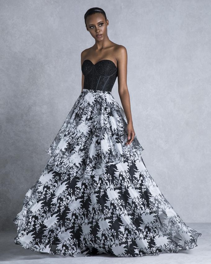 daceecefa2f1 Κοκτέιλ φόρεμα μακρύ με εμπριμέ φούστα και δαντελένιο μπούστο