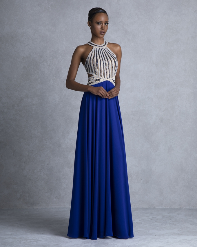 b06418f82a8d Βραδινό φόρεμα μακρύ με ανοιχτή πλάτη και ολοκέντητο μπούστο
