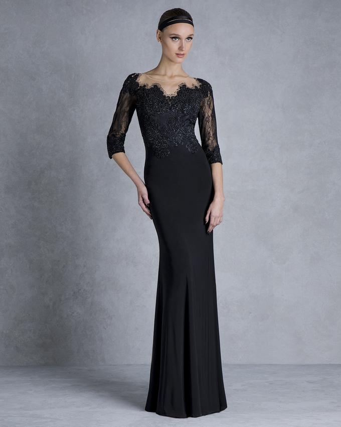 fb6b290ae399 Βραδινό ζέρσευ φόρεμα μακρύ με ολοκέντητο τοπ και δαντελένια μανίκια