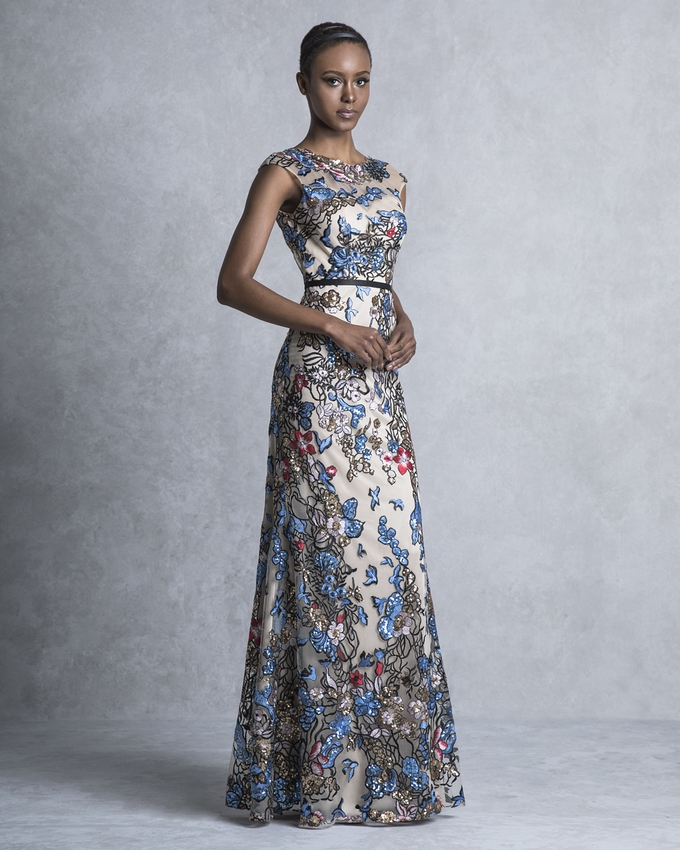 0324e9684a98 Βραδινό φόρεμα μακρύ από τούλι ολοκέντητο και πολύχρωμες παγιέτες