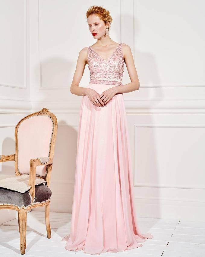 ef9170ddd3fe Βραδινό μακρύ φόρεμα με ολοκέντητο μπούστο