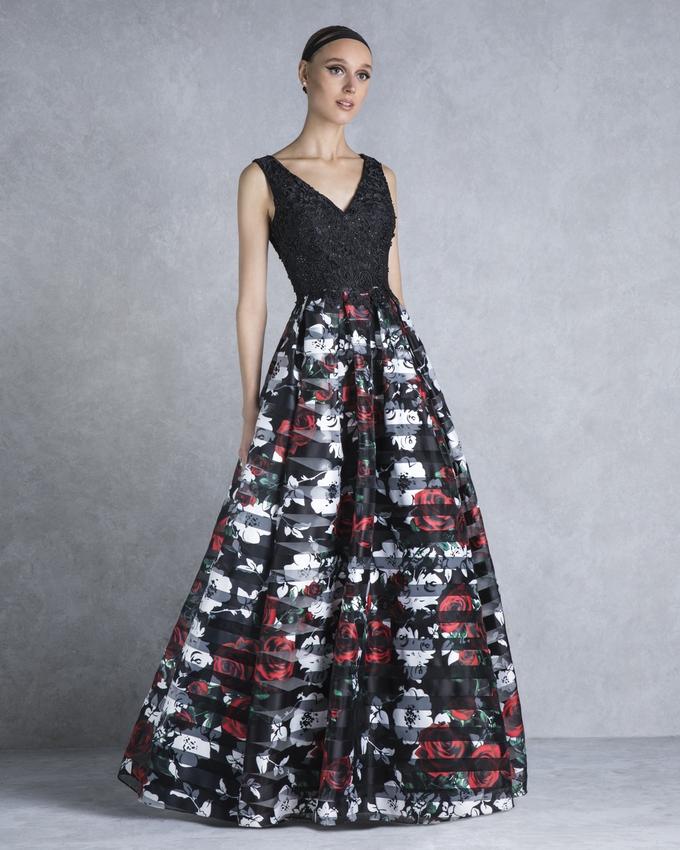 eed83abf9ce1 Βραδινό φόρεμα μακρύ με δαντελένιο τοπ