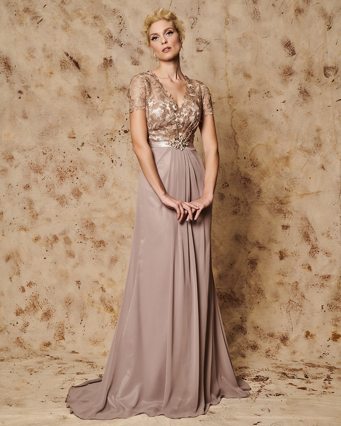 Long evening dress with lace bust