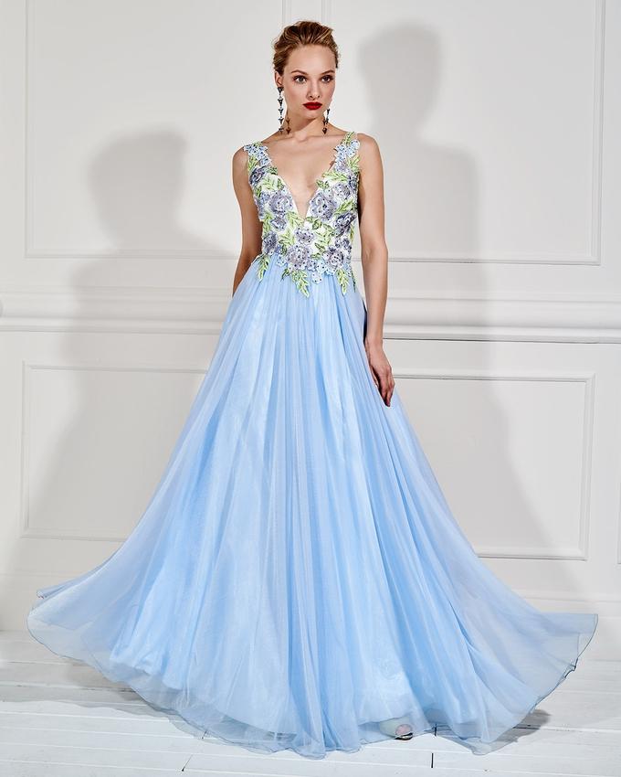 168bf1d9cd9 Βραδινό φόρεμα μακρύ με απλικέ δαντέλα και κέντημα
