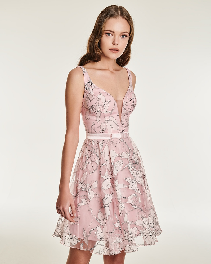 Cocktail dress with floral motif and narrow belt