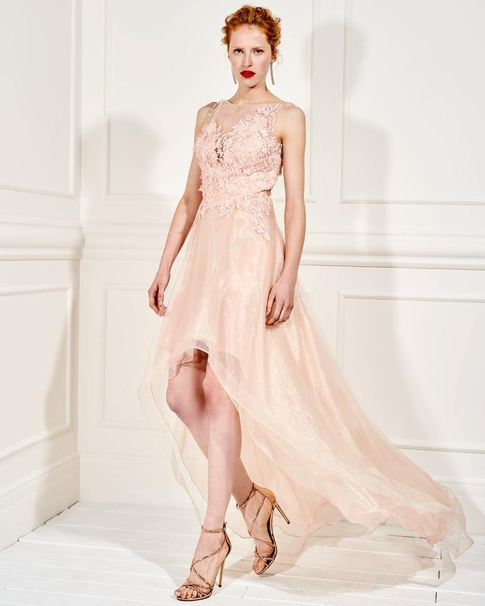 531d5b64fc3d Βραδινό φόρεμα ασύμμετρο με τούλι και δαντέλα στο μπούστο