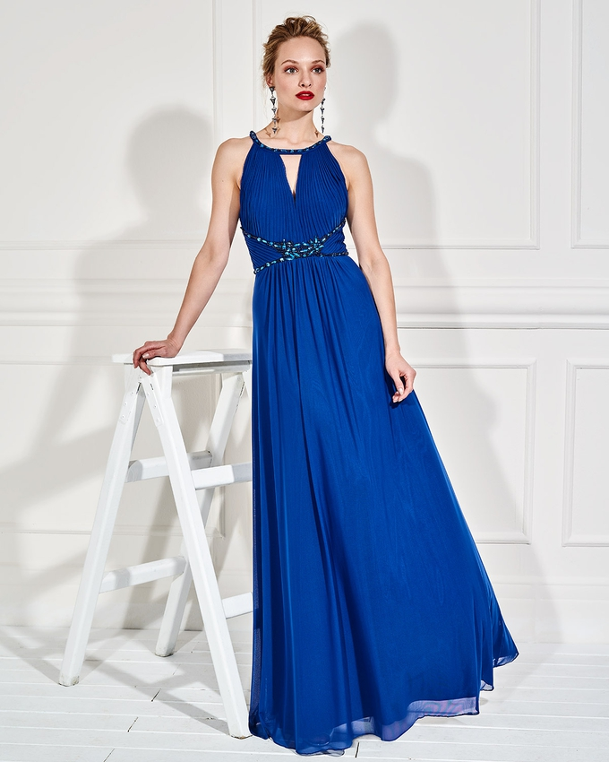 7156c998d670 Βραδινό μακρύ φόρεμα με κέντημα