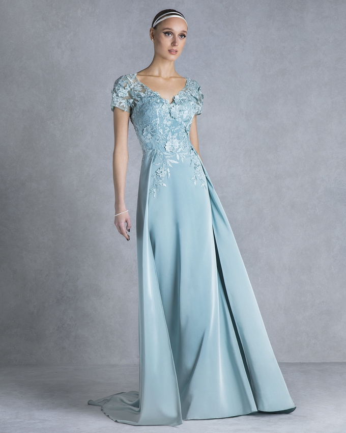 Long evening dress with lace for the mother of the bride