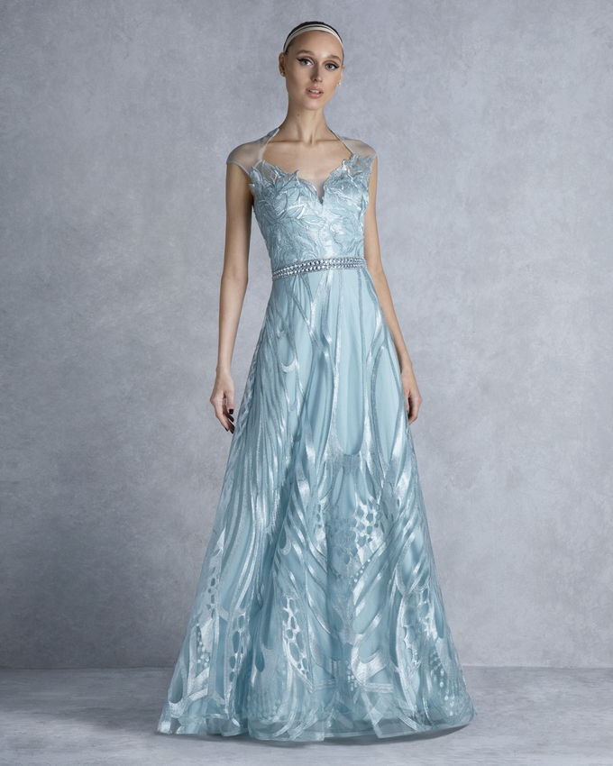 7b89f27ee98d Βραδινό φόρεμα μακρύ από δαντέλα και κέντημα στη μέση