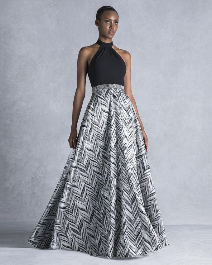 def9a54f5b93 Βραδινό φόρεμα μακρύ με μονόχρωμο μπούστο και εμπριμέ φούστα