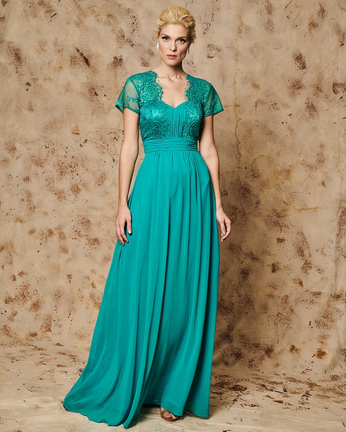 Long evening dress with lace bust and short sleeves