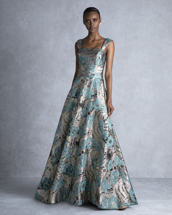 9ec1de7baa5 Βραδινό φόρεμα μακρύ εμπριμέ με γυαλιστερό μπροκάρ