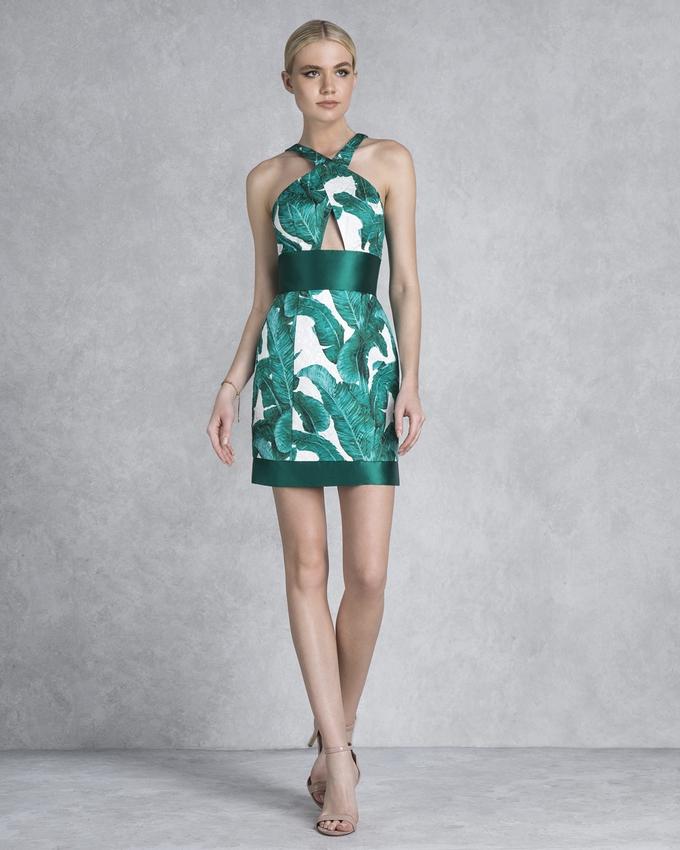 4f2de5fb3778 Κοκτέιλ φόρεμα κοντό εμπριμέ εξώπλατο