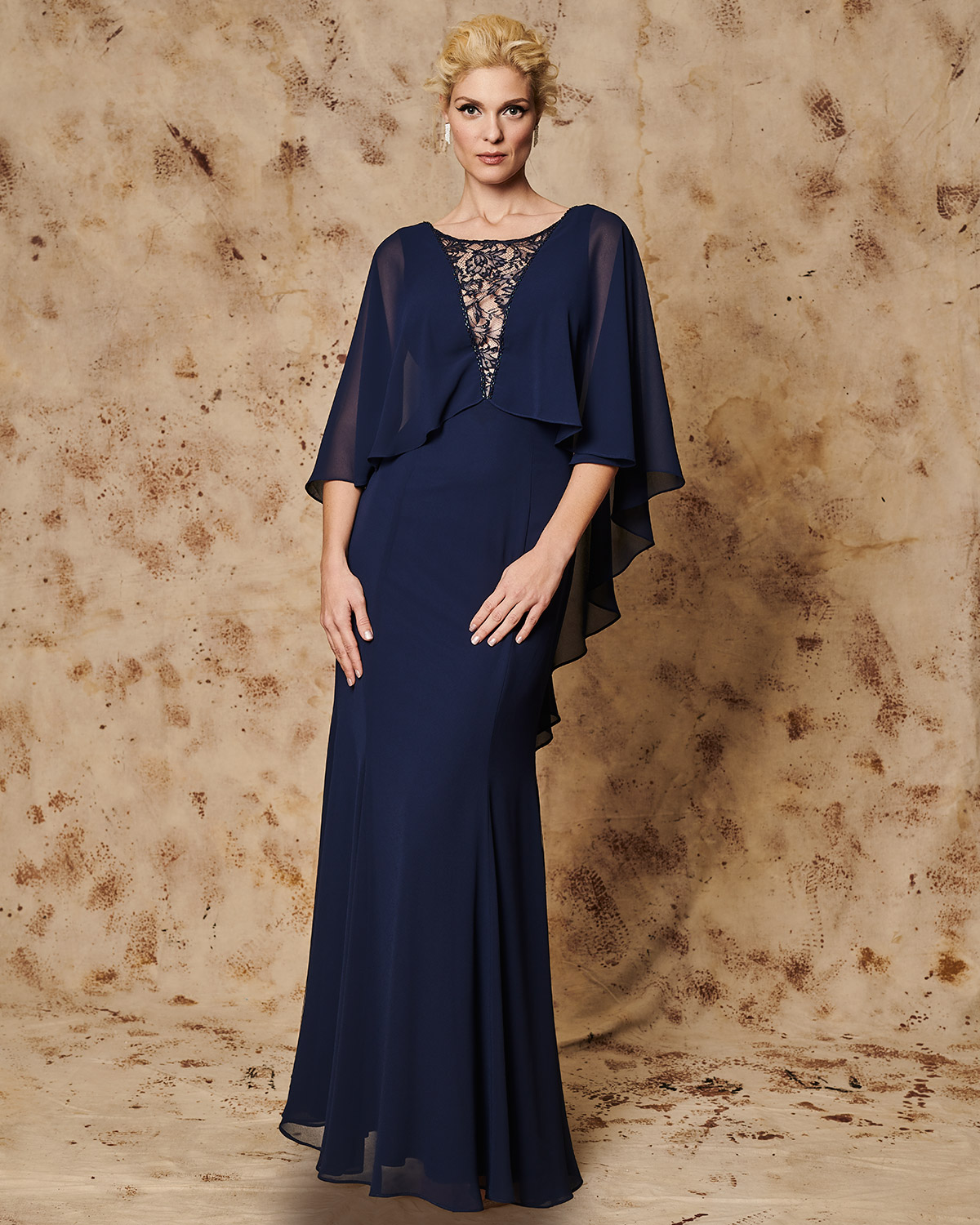 Classic Dresses / Long Evening Dress with wide sleeves and lace details