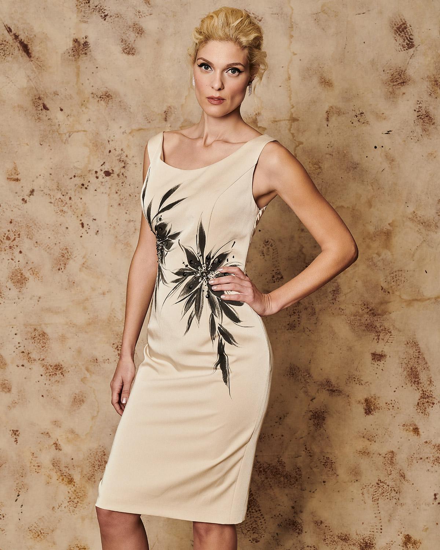 Κλασικό φόρεμα με εμπριμέ μπολερό Κλασικό φόρεμα με εμπριμέ μπολερό 599b6756a32