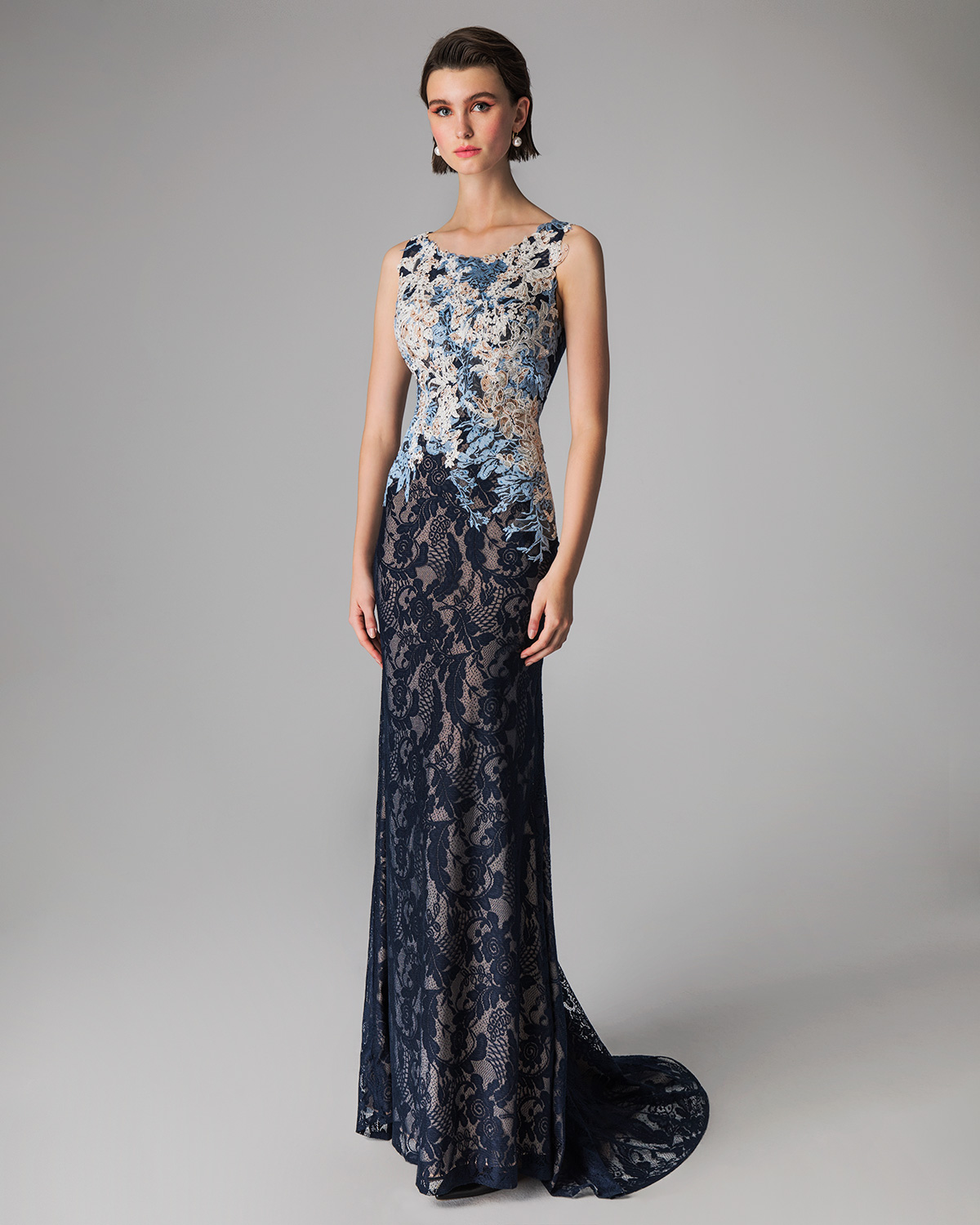 Classic Dresses / Long evening lace dress