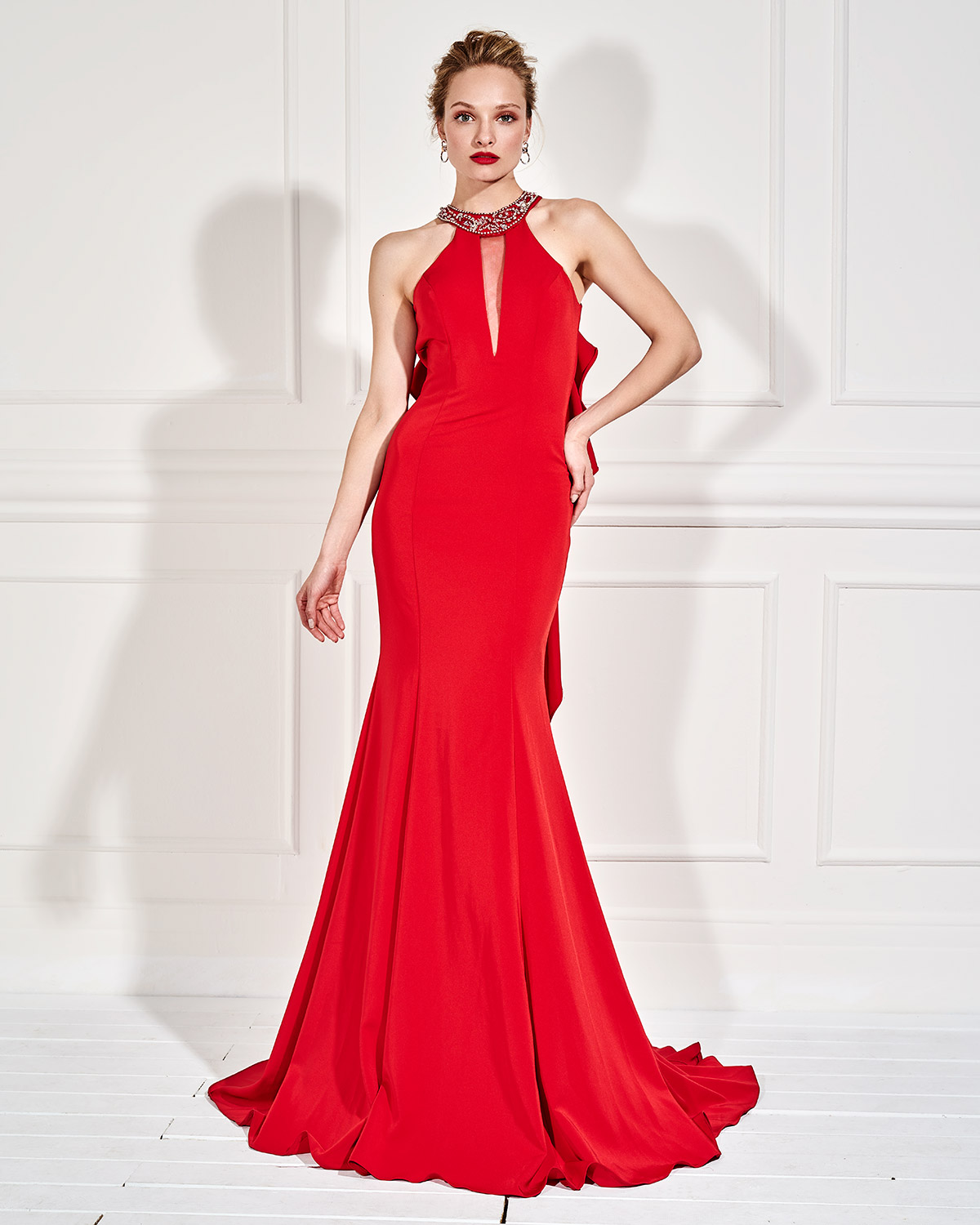 Evening Dresses / Long evening dress with beaded neck and small opening in the back