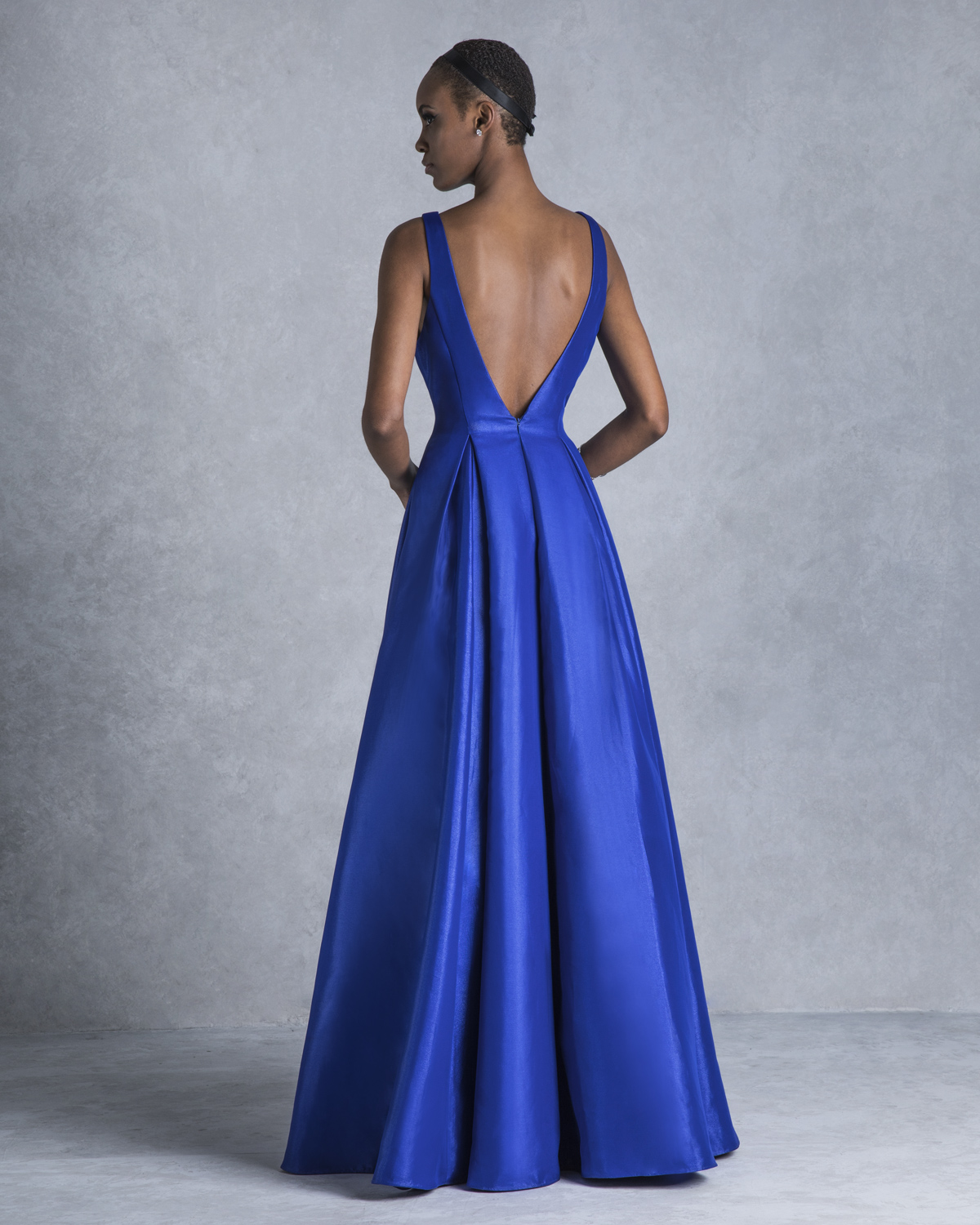 Evening Dresses / Long evening dress with shining fabric