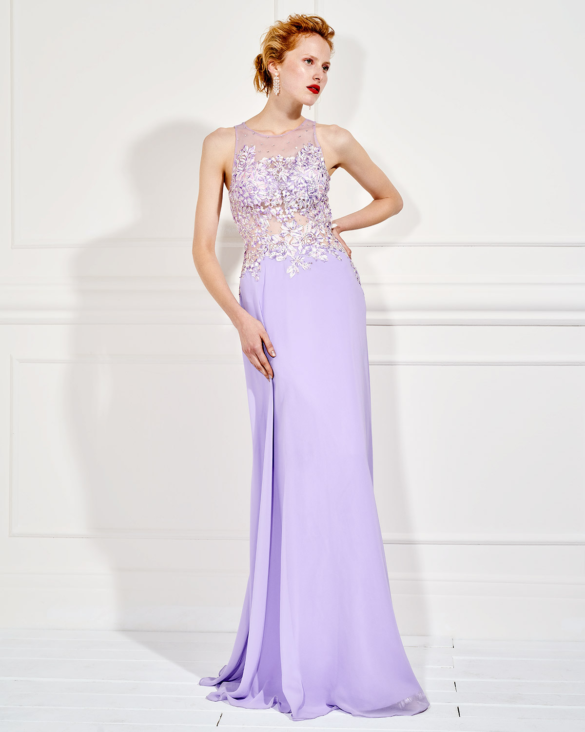 Evening Dresses / Long evening dress with tulle on the bust and beading