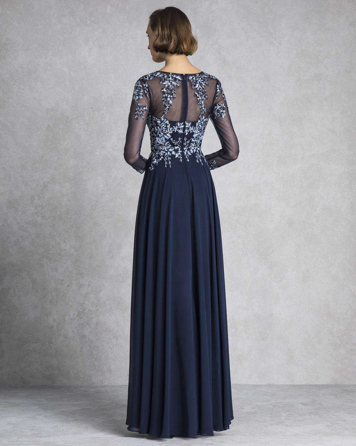 Classic Dresses / Long evening dress with long tulle sleeves and beading
