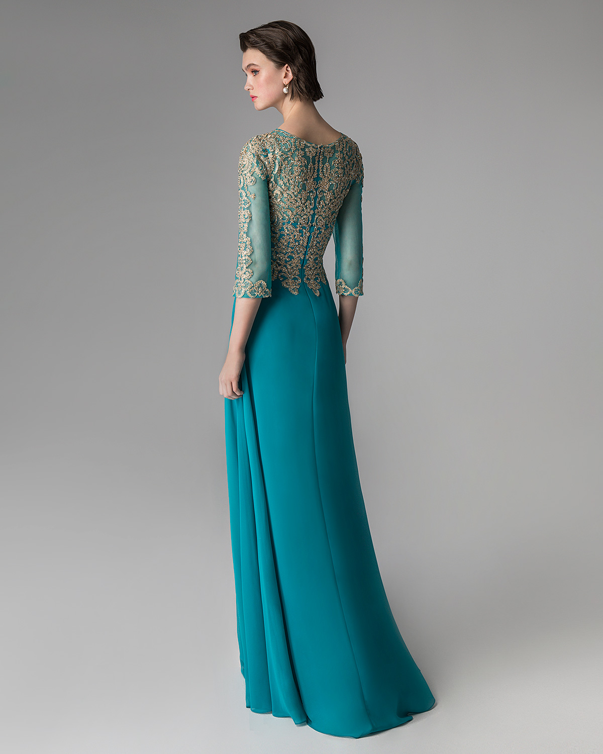 Classic Dresses / Long evening dress with beaded top and long sleeves