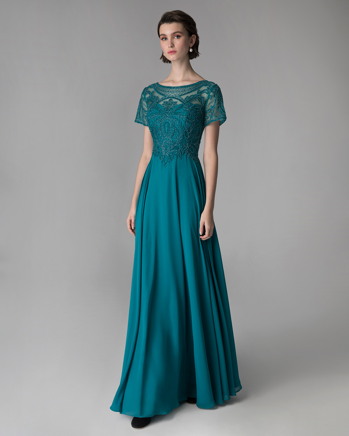 Classic Dresses / Long evening dress for the mother of the bride with fully beaded top and short sleeves