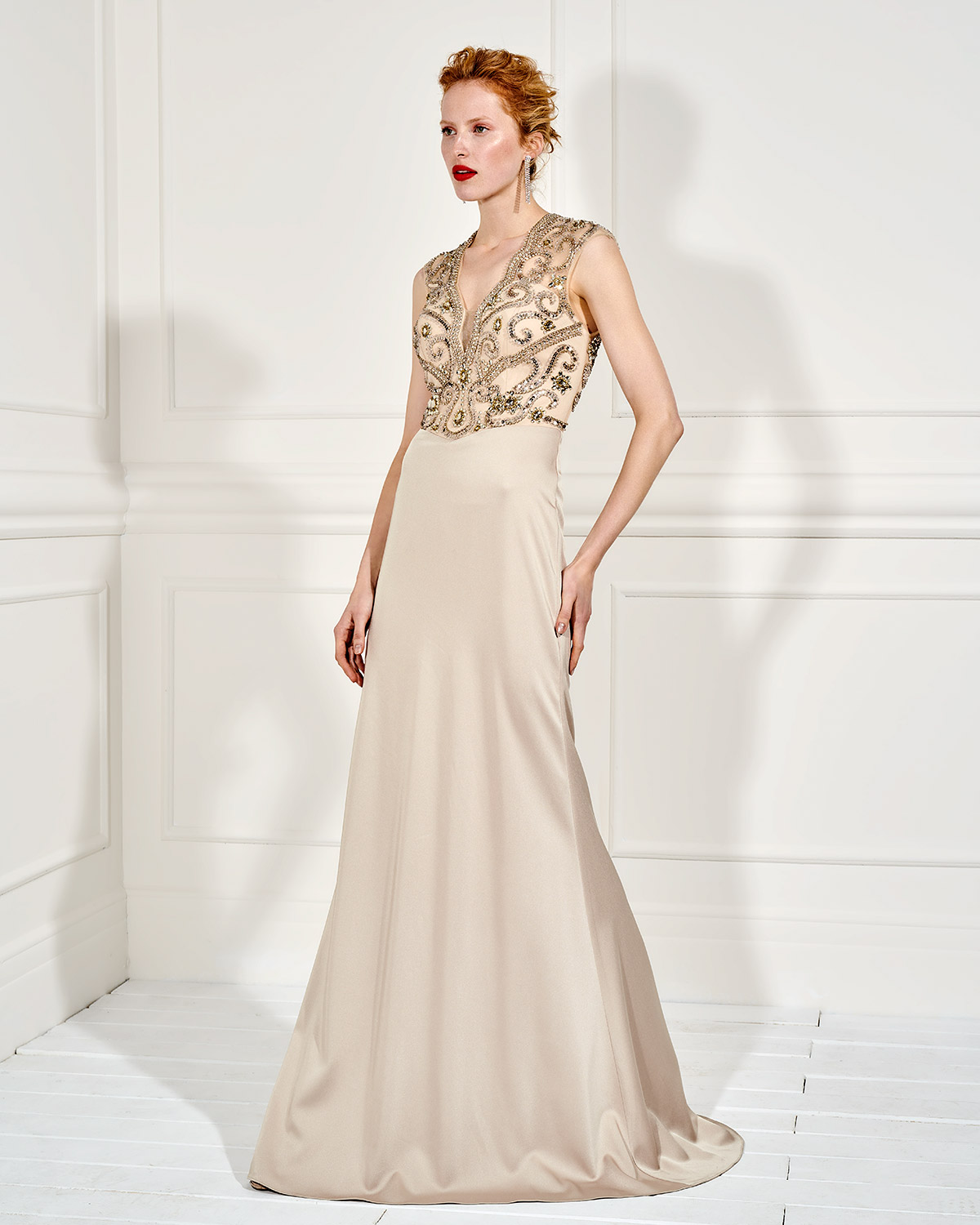 Evening Dresses / Long evening dress with beading on the bust and opening in the back