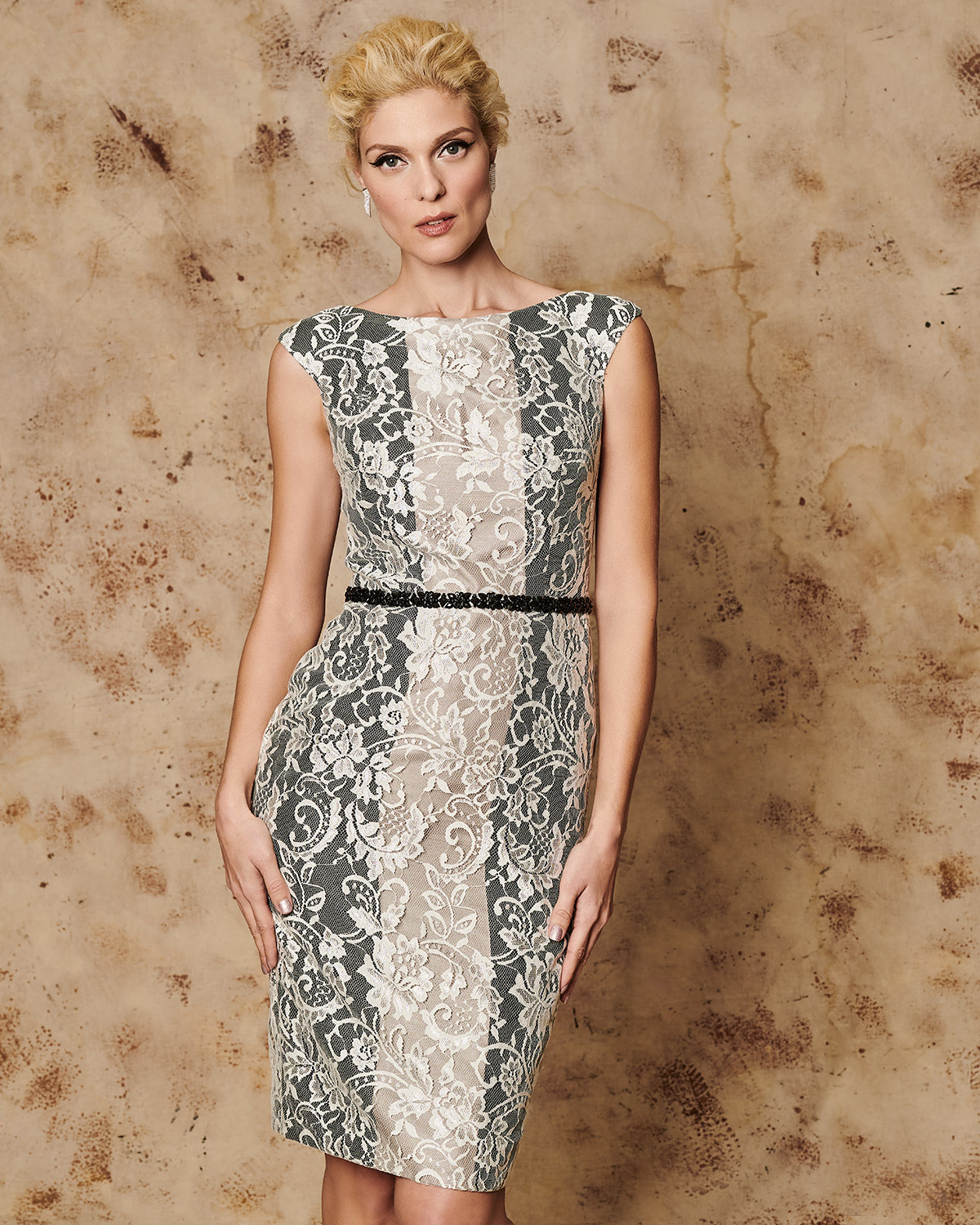 Classic Dresses / Short evening lace dress with beading belt