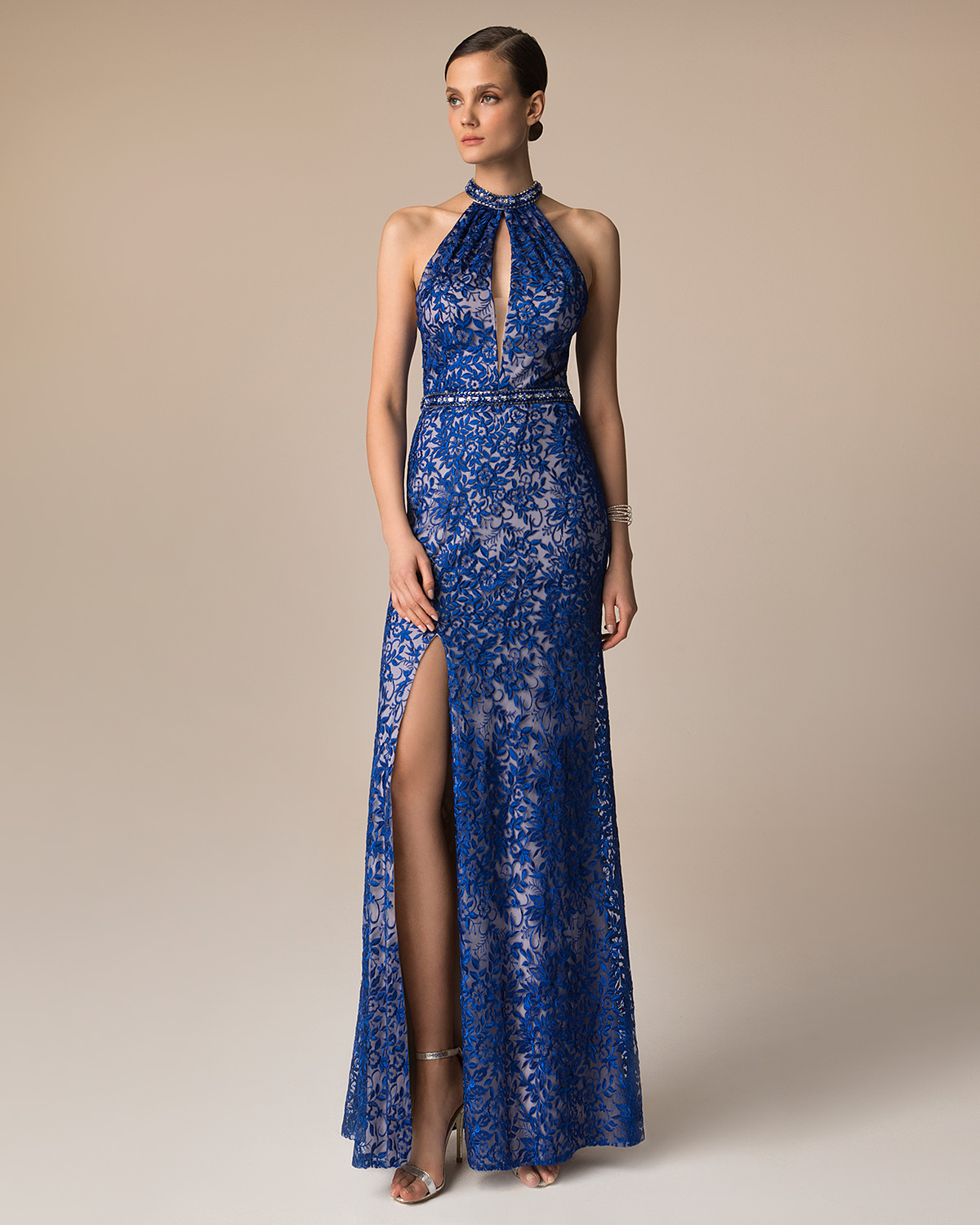 Evening Dresses / Long evening lace dress with beading