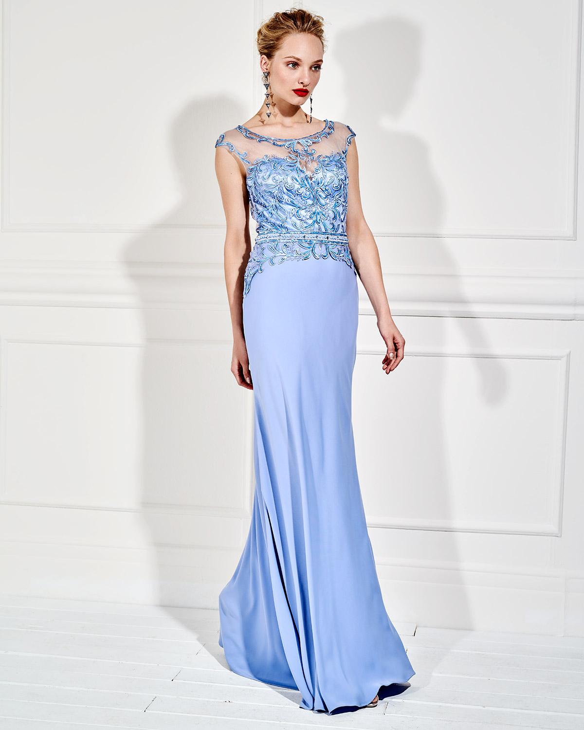 Evening Dresses / Long evening dress with lace on the bust and beading