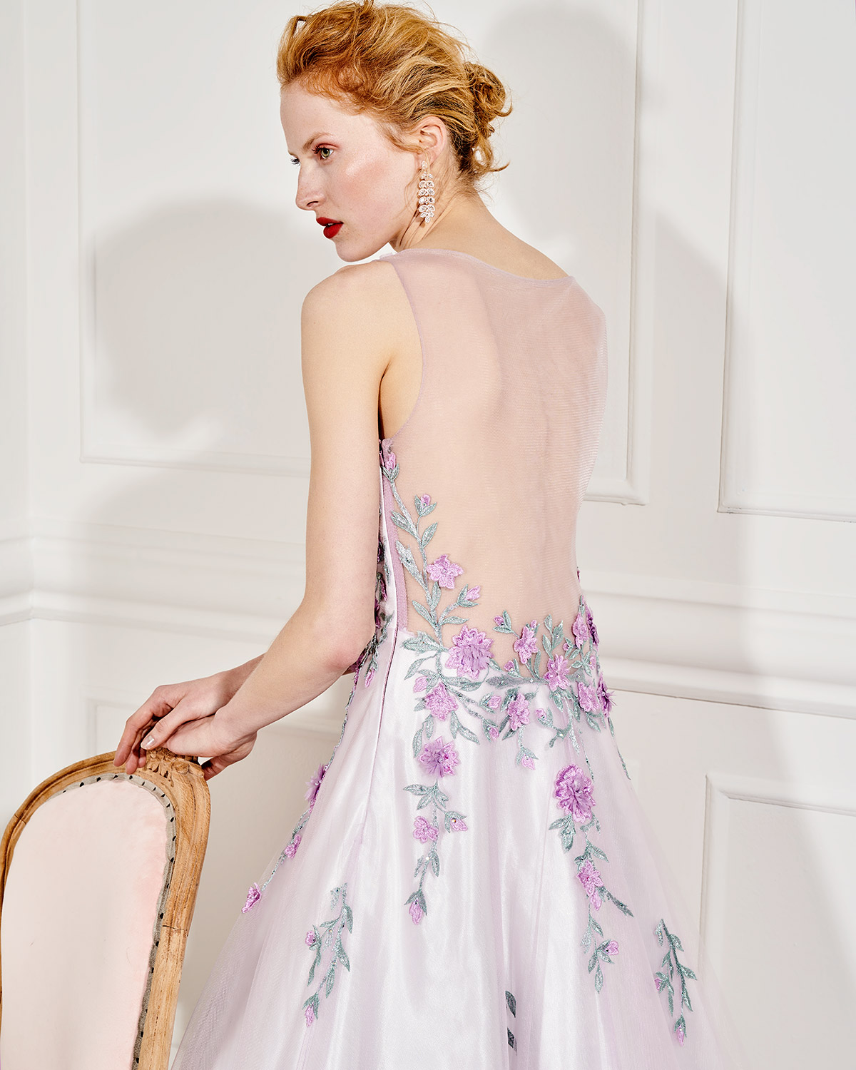 Evening Dresses / Long evening tulle dress with beading flowers