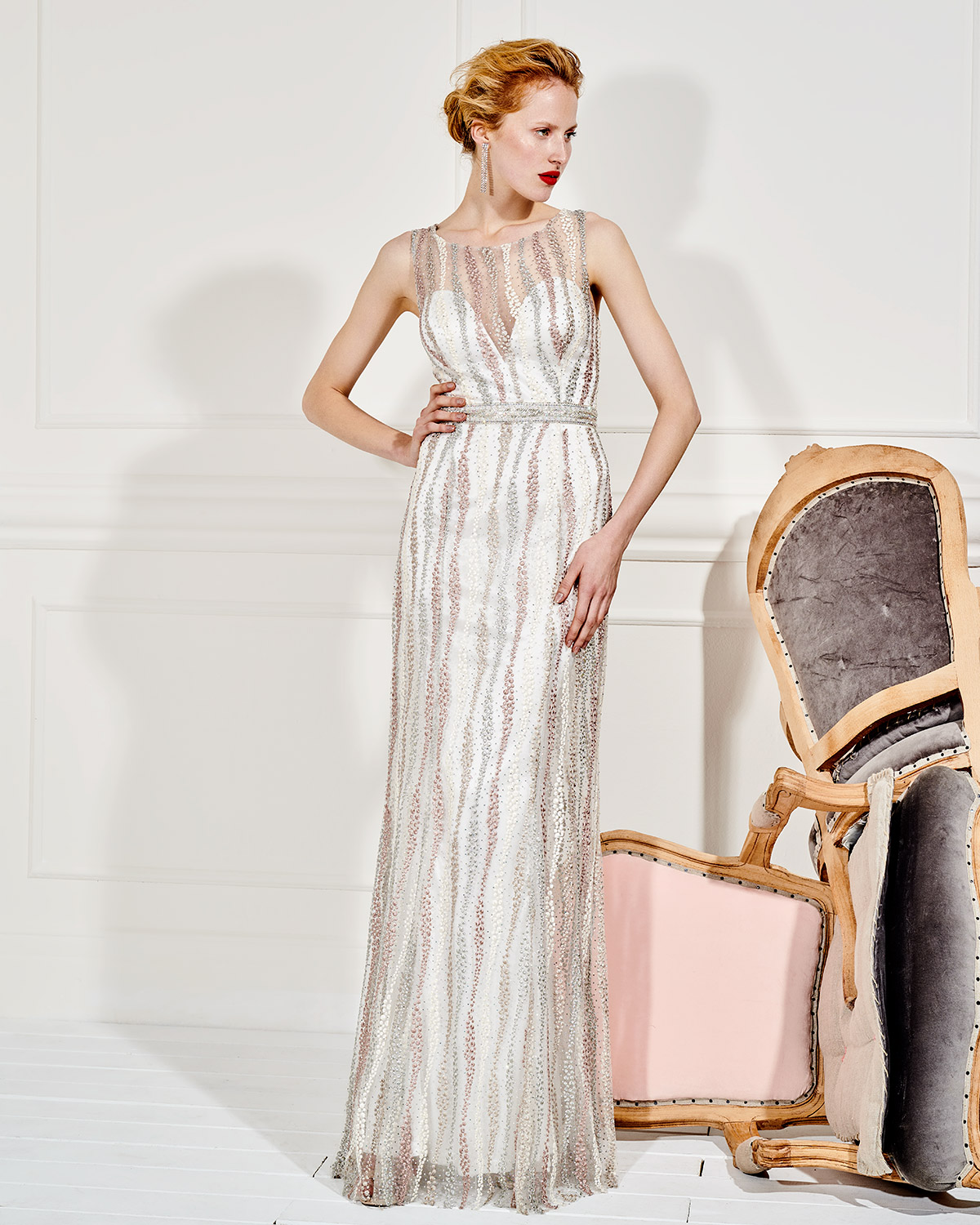 Evening Dresses / Long evening tulle dress with beading