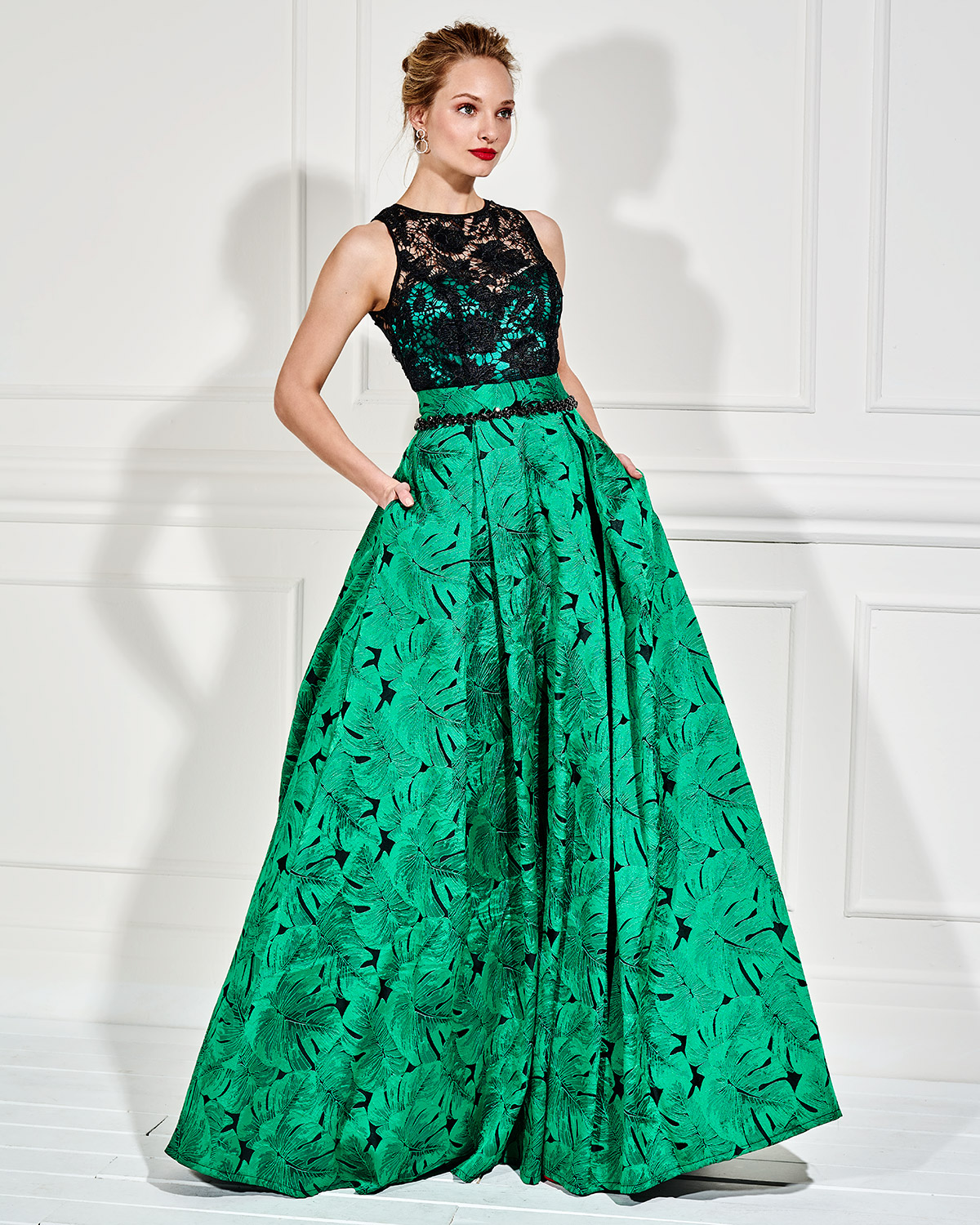 Evening Dresses / Long evening dress with lace bust and beading belt