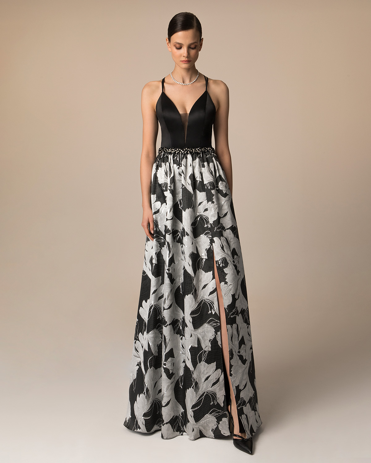 Evening Dresses / Long evening printed brocade dress with solid color top and beaded belt