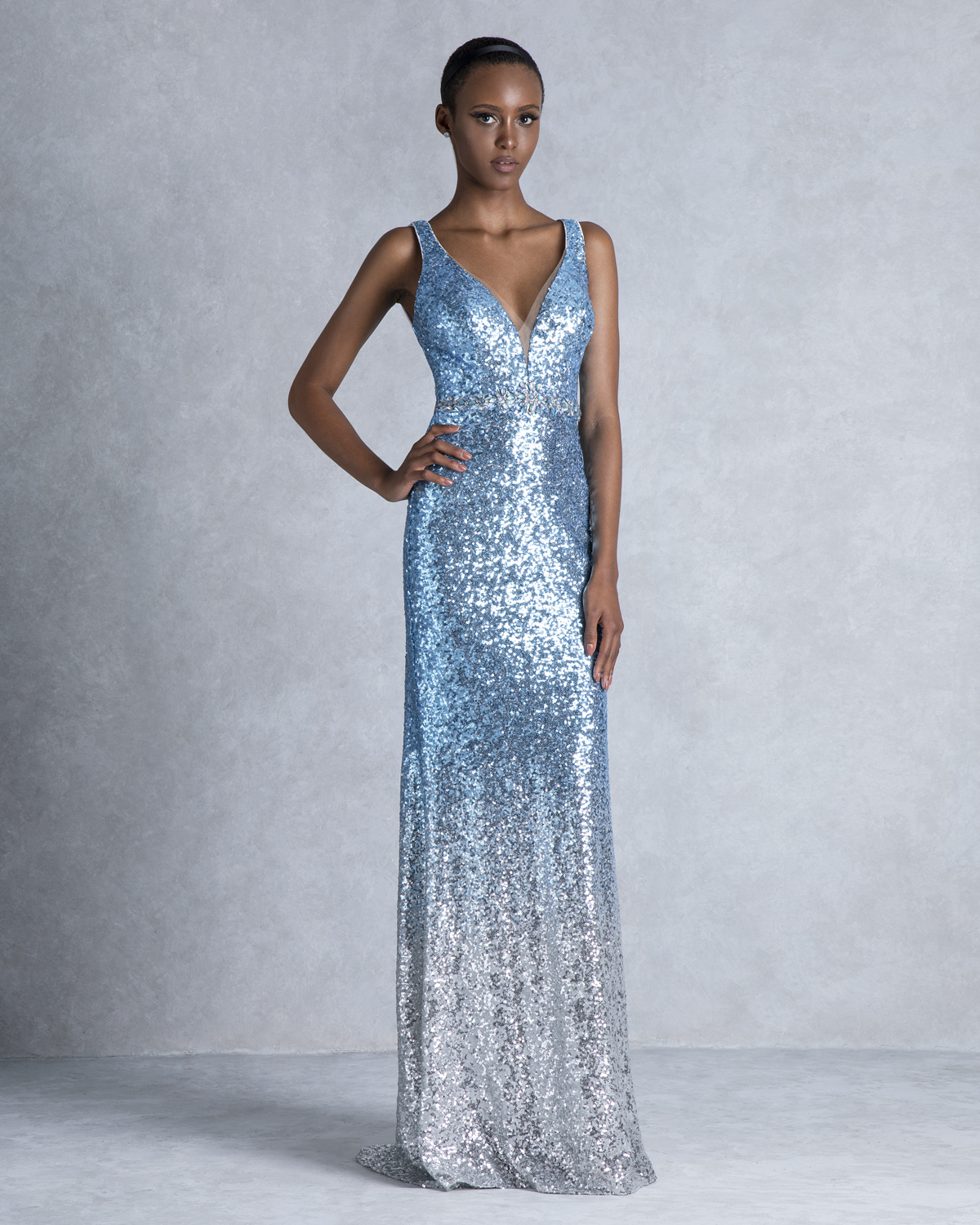 Long evening dress with sequence and open back