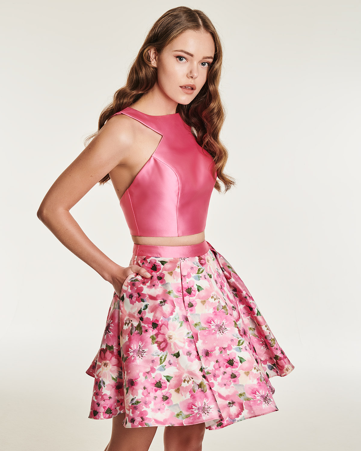 Cocktail Dresses / Short skirt with floral details and top