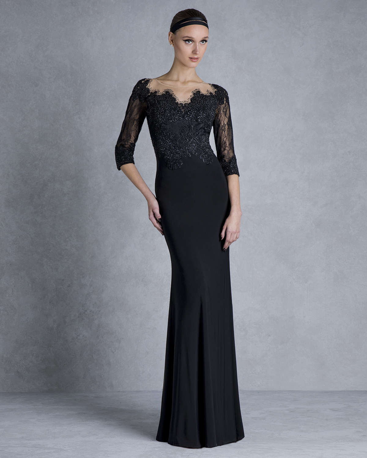 Evening Dresses / Long jersey evening dress with beaded top and lace sleeves
