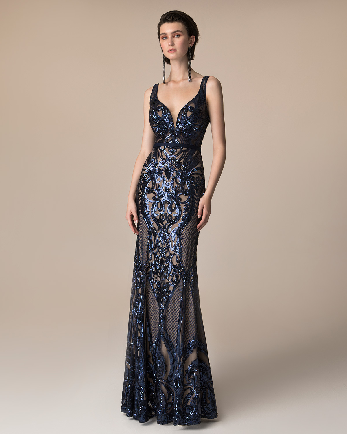 Evening Dresses / Long evening fully beaded dress
