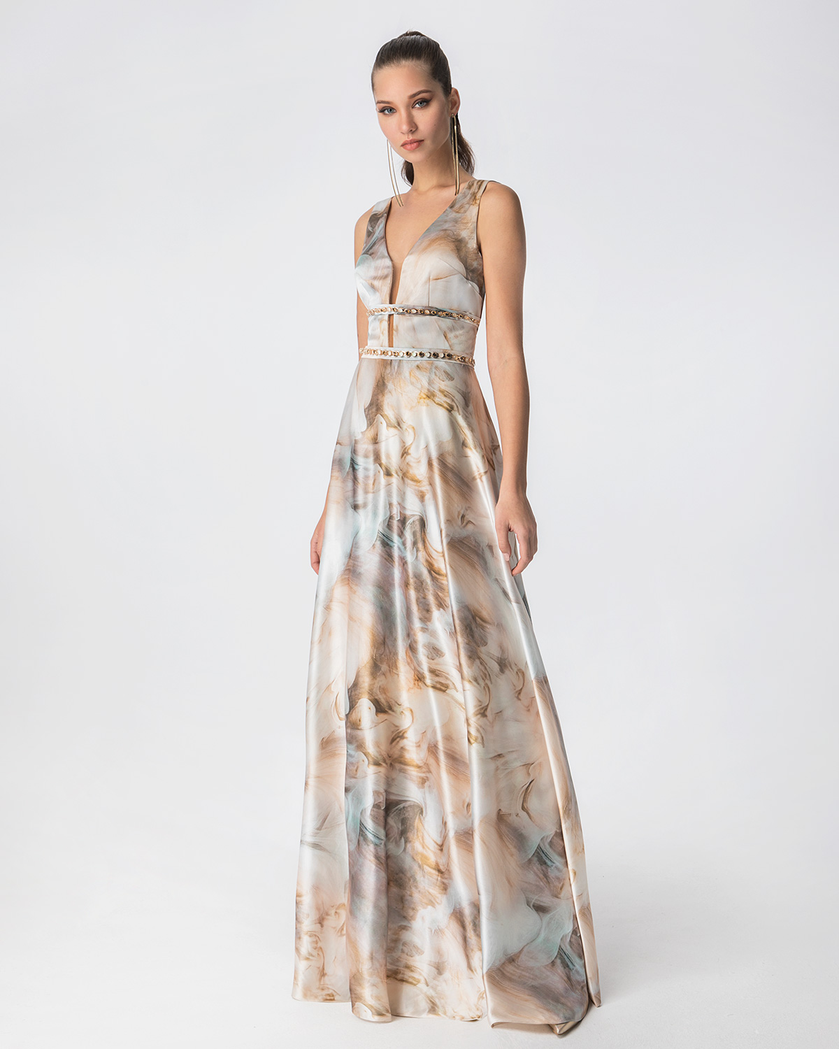 Cocktail Dresses / Long printed satin dress with beading and open back