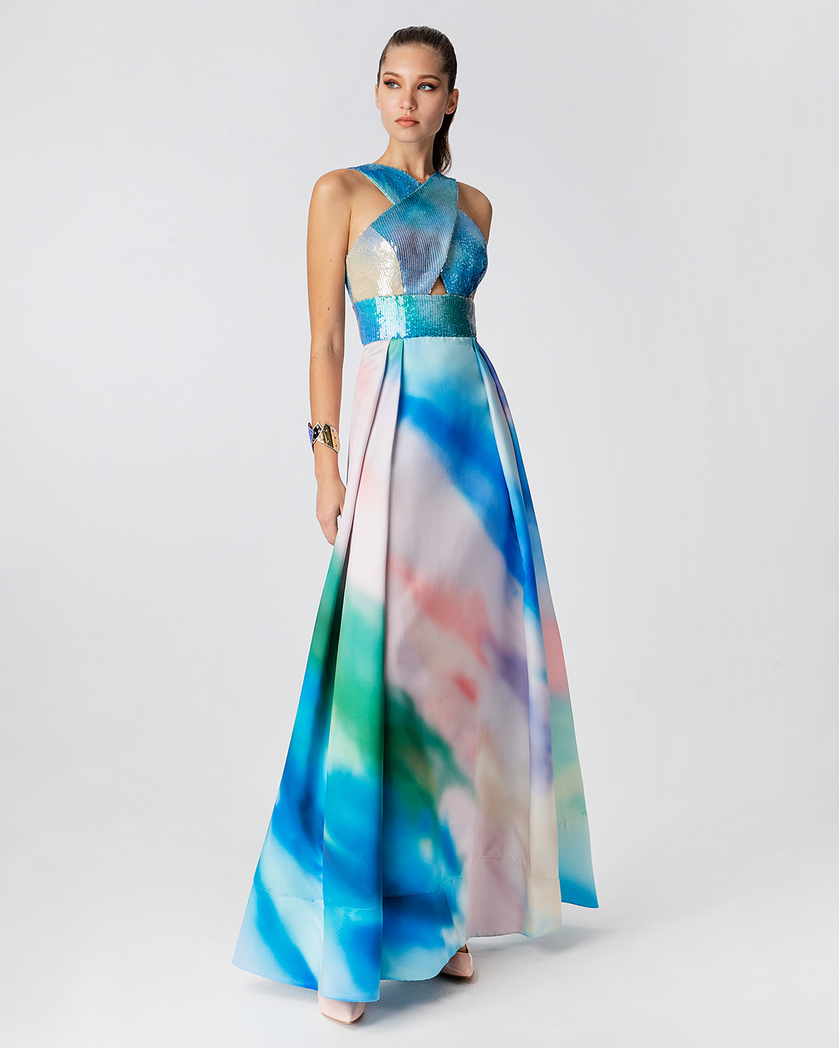 Long printed satin dress with top of printed sequence