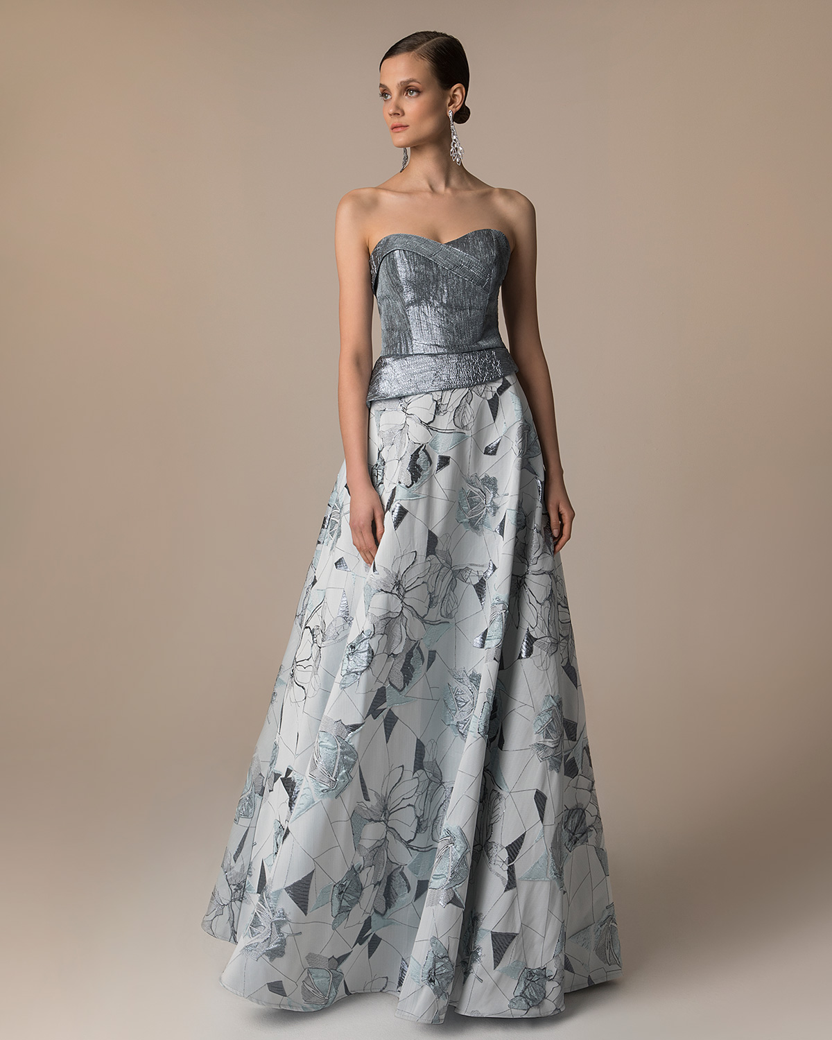 Evening Dresses / Long evening printed brocade dress with solid color shining top