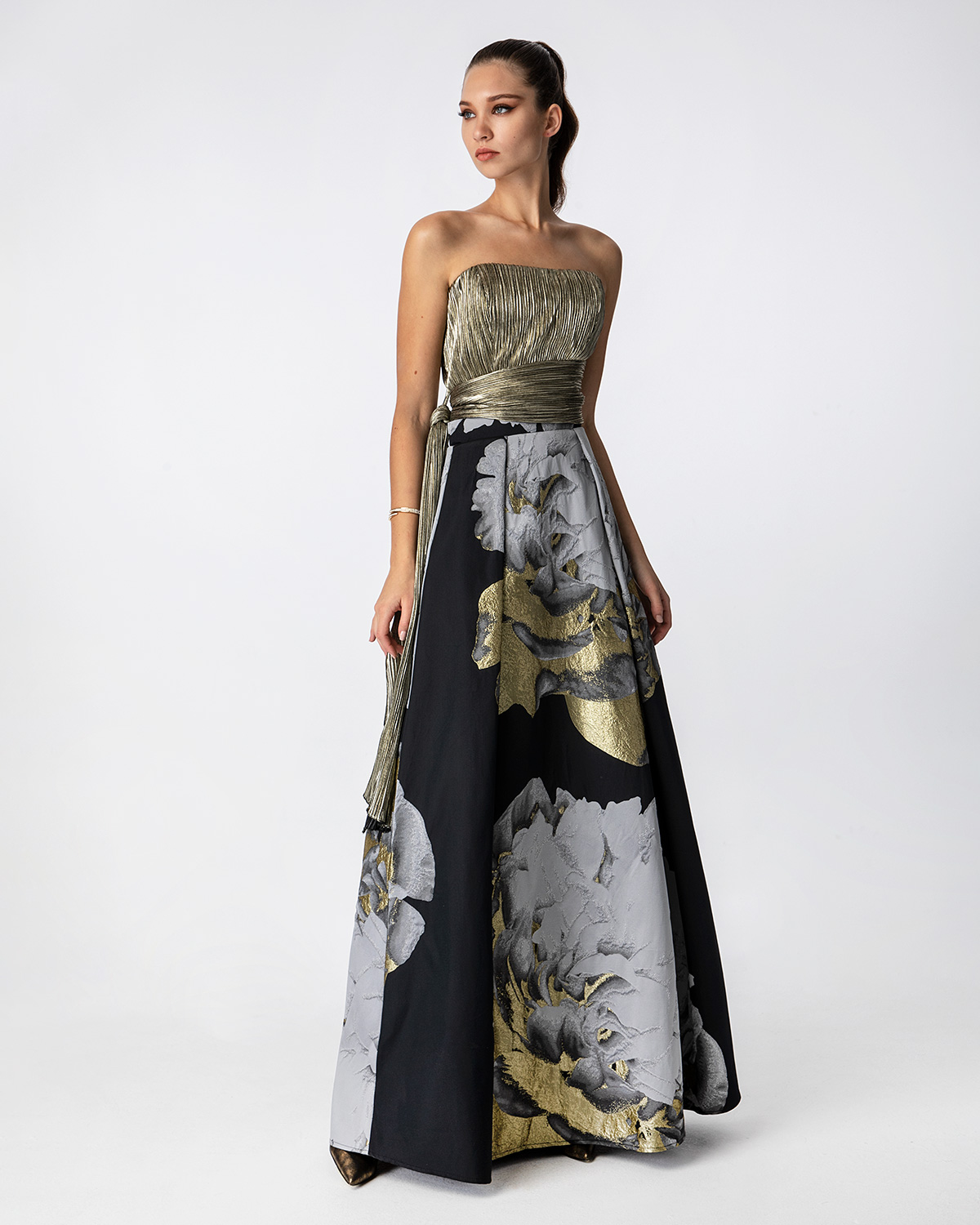 Long printed skirt with solid color lurex top