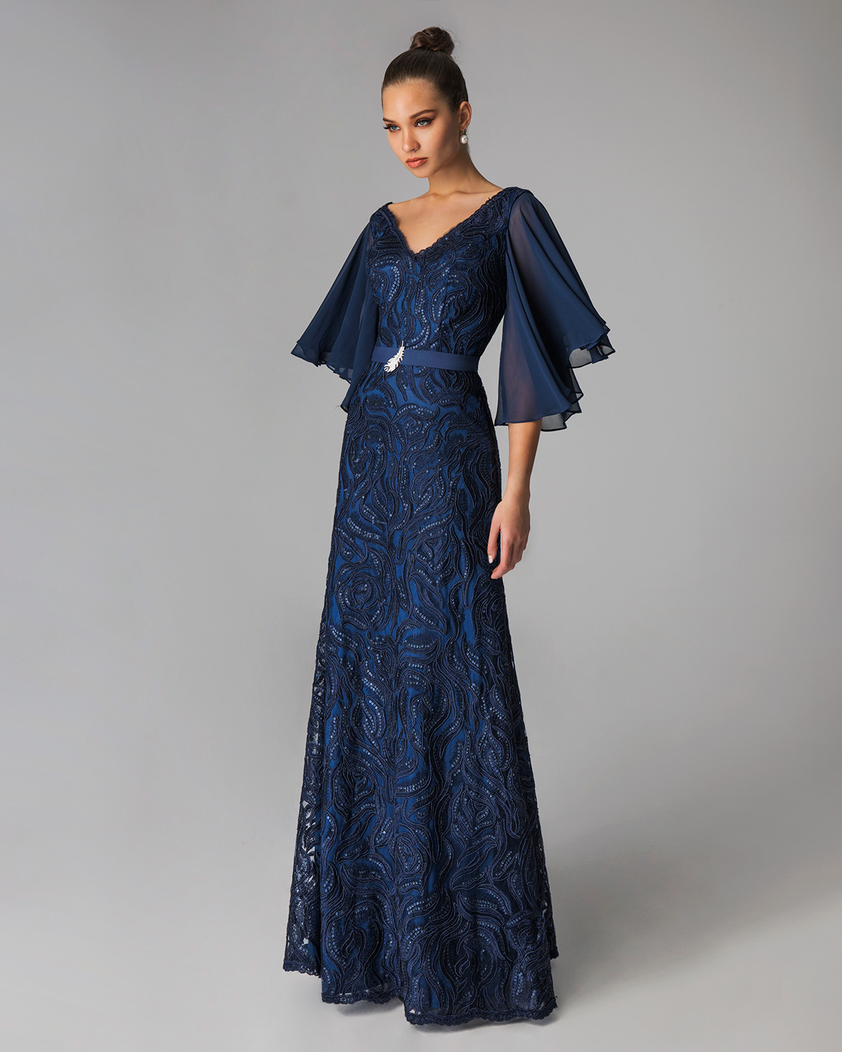 Classic Dresses / Long evening  lace dress for mother of the bride with sleeves of chiffon