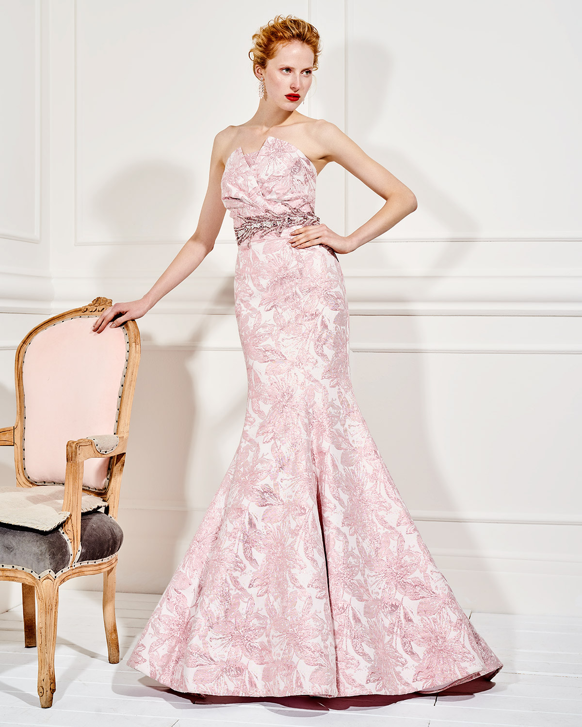 Evening Dresses / Long evening strapless dress with beading on the waistband