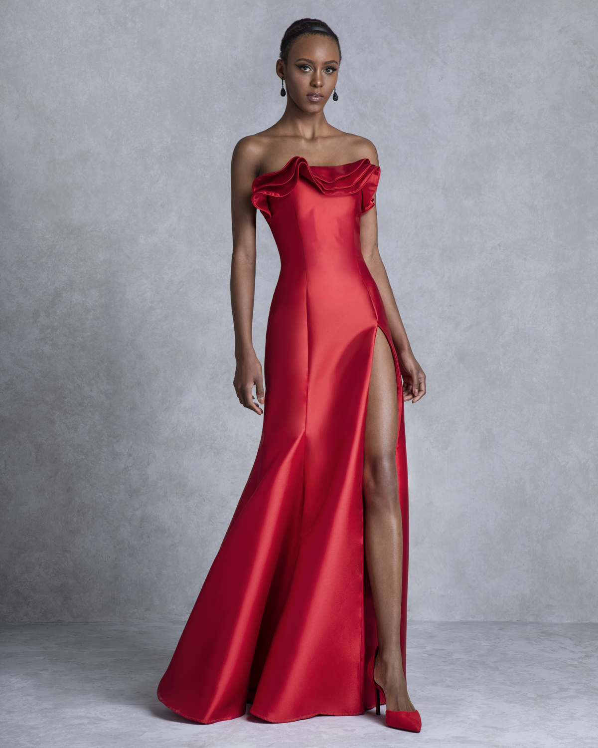 Long evening strapless dress with ruffles